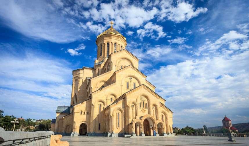 Собор Цминда Самеба - главные достопримечательности Тбилиси