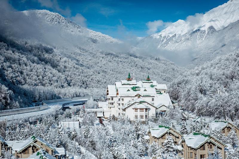Гранд Отель Поляна - один из лучших отелей в Сочи с бассейном